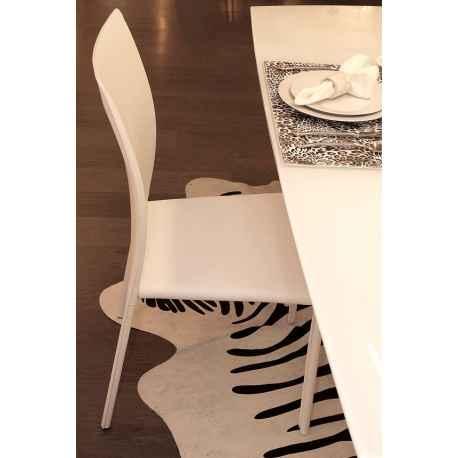 Chaise blanche en cuir écologique H.90 cm Liel